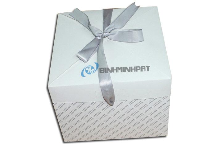 Hộp giấy gói quà in offset xuất khẩu sang Hà Lan