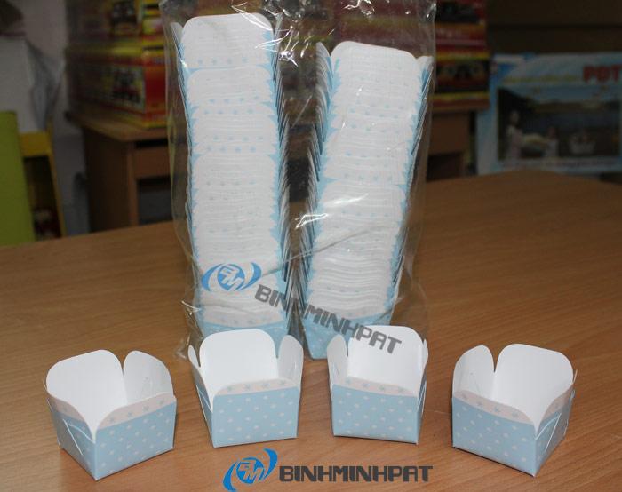 Chén giấy Lotte Mart được đóng gói bắng bọc nhựa hợp vệ sinh, an toàn thực phẩm