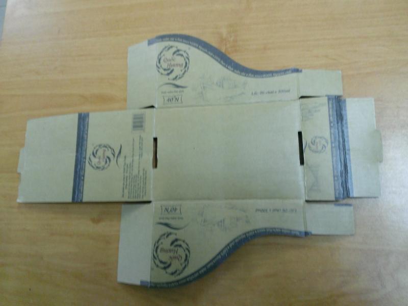 Khay trưng bày 2 trong 1 với thiết kế đơn giản, tiện lợi