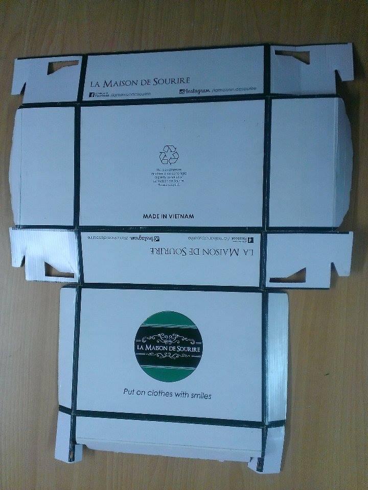 hộp giấy quần áo khi thành phẩm