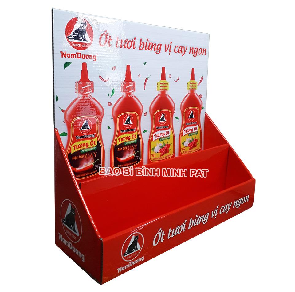 Kệ giấy trưng bày tương ớt đóng chai - hinh 3